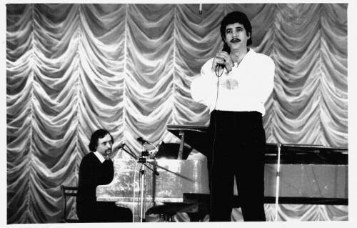 Авторский концерт на сцене филармонии с другом Алексеем Стрюковым. 1989 г.